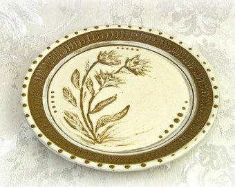 Slip Decorated Serving Platter in Cream and Brown