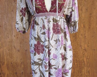 Vintage 1970's Bohemian Gypsy Floral Dress Deep V Neck Size Small Stevie Nicks Dress
