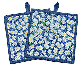 Quilted Fabric Potholders Blue and White, Set of 2 Quilted Potholders, BBQ Accessory, Daisy Potholders, Blue Pot Holders, Quiltsy Handmade