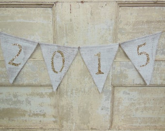 Graduation Banner, 2015 Burlap Banner, Graduation Garland, Graduation Bunting, Graduation Party Decor, Photo Prop, Gold Glitter Graduation