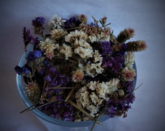 Mix of dried waxy plants Dry meadow/forest/garden plants Dried flora multicolor flower Beautiful wild nature plants Floral arrangements