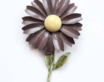 Vintage 1950's Brooch daisy brooch enamel flower brooch midcentury jewellery revival 50's flower brooch vintage jewellery 50's revival