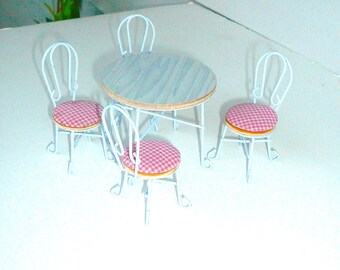 Dollhouse Miniature Furniture Kitchen Table Four Chairs Fairy Garden Furniture Wire Chairs