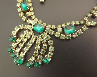 Vintage Necklace Emerald Green Rhinestones 1950s Dressy Formal  Costume Jewelry