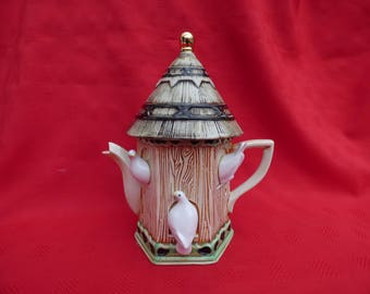 Swineside, Dovecot Teapot, The Teapottery, North Yorkshire, England