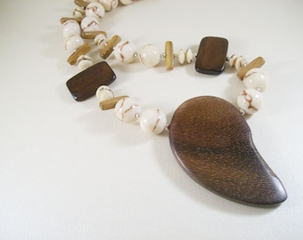 Lima necklace YD-142N / off white, brown, silver / boho, rustic, wood, limestone coral