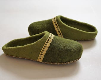 Felt slippers, Olive green felted shoes, Felted slippers, Wool slippers, Felt shoes, Felt boots, Wool slippers, Wool shoes, Women slippers