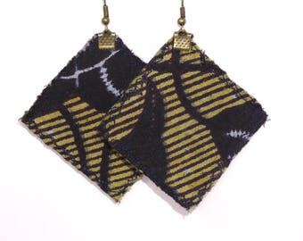 Earrings in recycled cardboard and fabric