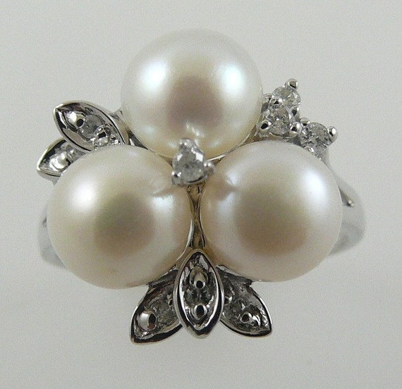 Freshwater 7 mm -7 1/2mm White Pearl Ring with Diamonds 0.13ct 14k White Gold