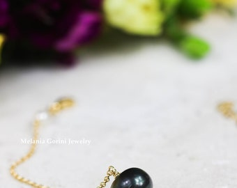 BLACK PEARL Bracelet - 925 sterling silver electroplated with 18K gold with natural black pearl, freshwater pearls-stackable bracelet