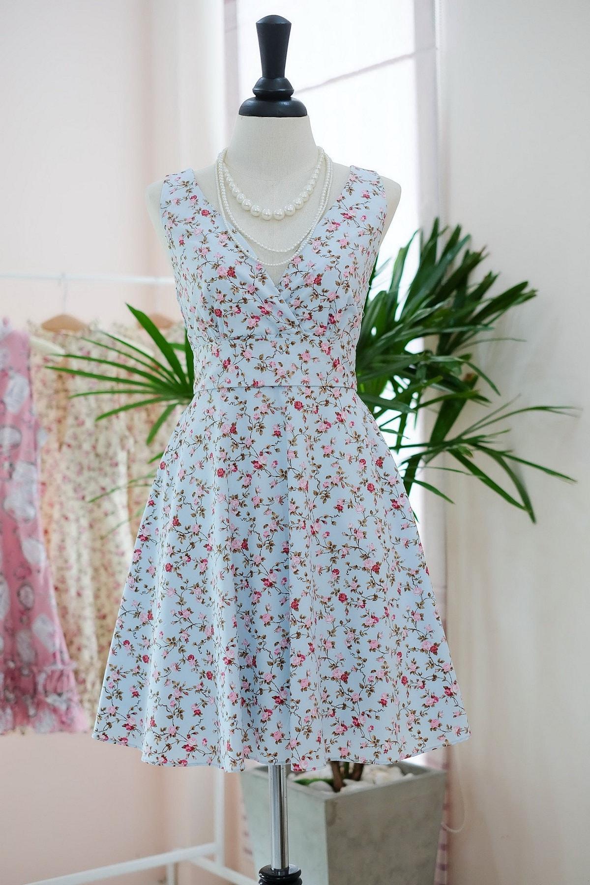 Blue floral bridesmaid dress prom dress sundress vintage