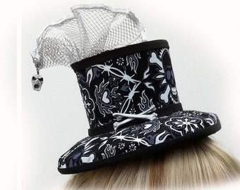 Gothic Mini Top Hat with Metal Veil Screaming Skull Barbed Wire Flaming Heart Material with Real Cross Bones