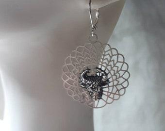 Bull Style fancy silver plated earrings
