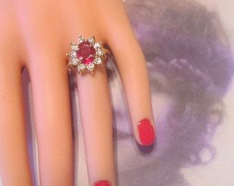 Vintage Gold Ring With Red Rhinestone and Crystals - Size 7.5 - R-058