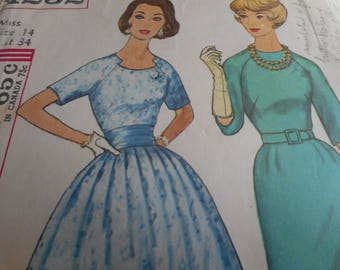 Vintage 1950's Simplicity 4232 Dress Sewing Pattern Size 14 Bust 34
