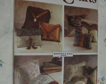 Simplicity 7196 Throw PIllows Sewing Pattern - UNCUT - One Size Fan pilloww, Pocket Pillow, Envelope Pillow