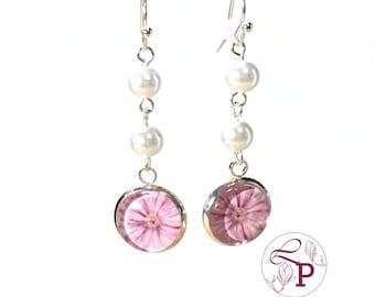 Pearl drop earrings | Flower earrings | Pearl earrings | Flower jewelry | Bridal earrings | Beaded earrings | Bridal jewelry |Daisy earrings