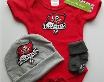 Tampa Bay Buccaneers baby outfit/buccaneers newborn/baby buccaneers/tampa buccaneers baby shower gift/