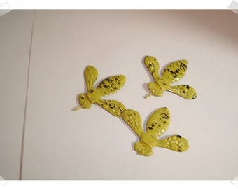 Worn Out Yellow Metal Bees/Set of 3/Craft Supplies*