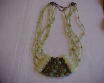 Vintage Bright Green Necklace..Excellent Condition-Very Attractive- Signed VCLM. Free Shipping in USA