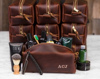 Personalized Dopp Kit Bag Groomsmen Gift Leather Toiletry Bag with Monogram Mens Toiletry Bag Leather Third Anniversary Gift Lifetime