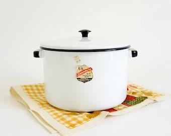 Vintage Stockpot / 8 Quart Lidded Enamelware Stockpot United States Stamping Co VGC / Farmhouse Cottage Retro 1960s Kitchen Cookware