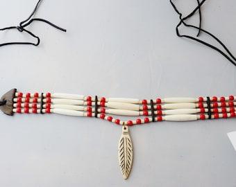 Sculpté pendentif plume en os, perles en os véritable, pow-wow, tambour, cercle, soho, boho