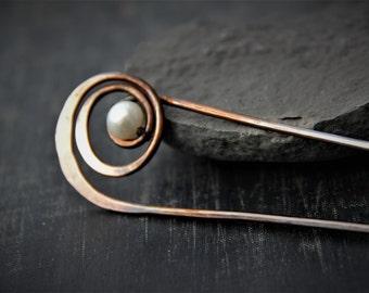 Spiral copper and pearl hair fork, hair pin, hair stick, metal hair pin, hammered, modern, minimalist, simple hair accessories, rustic