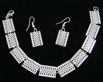 Light silver, bracelet and earrings