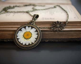 Large Daisy Necklace Dried Flower Resin Necklace Spring Summer Daisy Jewellery Happy Bronze Necklace Nature Woodland Floral Long Necklace