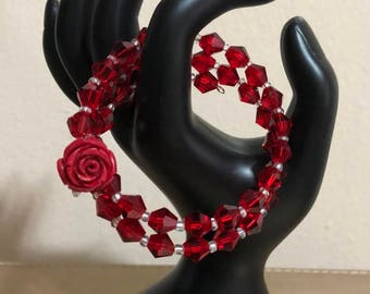 Red glass beads and rose memory wire bracelet