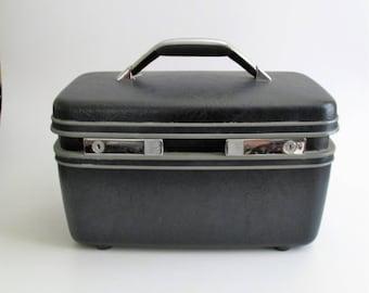 Vintage Samsonite Dark Blue CarryPak 12 Train Case