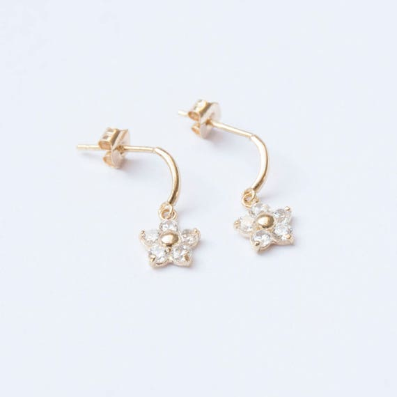 9ct Gold Small Flower Stud Earrings ftE8wetk