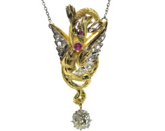 Pendant old chimera in gold and diamonds