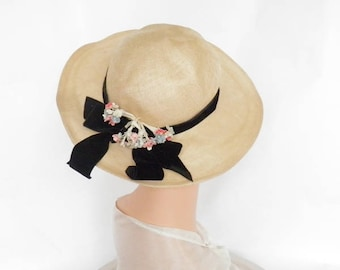 Vintage 1940s hat, woman's natural straw tilt with velvet hatband, flowers