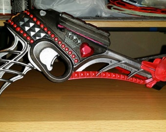 Queen of hearts inspired hand painted nerf crossbow. (Non-firing)