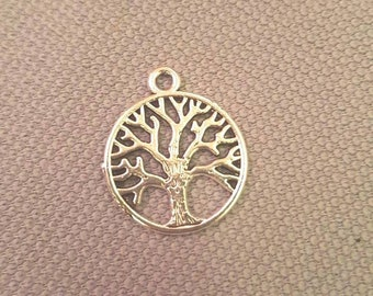 Tree-shaped charms of life