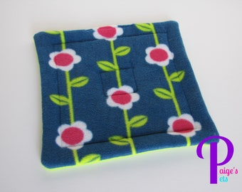 Potty Pad with U-Haul Lining for Guinea Pigs, Ferrets, Hedgehogs, etc. | Flower Vine with Lime