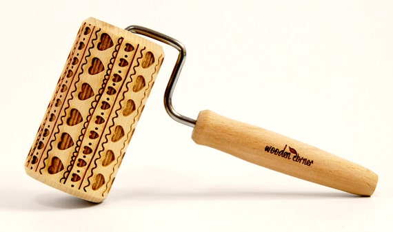 FOLK HEART PATTERN - One handle Embossing rolling pin, engraved rolling pin