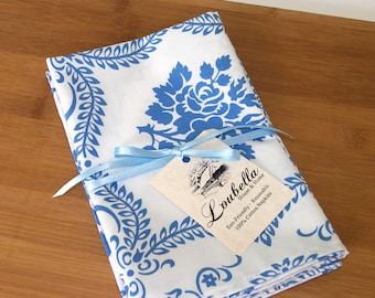 SALE / Eco-Friendly / Set of 4 / 100% Cotton Napkins / Casey Scroll by Jennifer Paganelli / Blue and White
