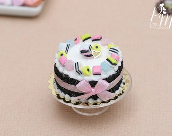 MTO-Liquorice Allsorts Cake (Gateau aux Bonbons anglais) - Miniature Food in 12th Scale for Dollhouse