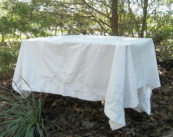 Vintage White Cutwork Tablecloth 58 x 66 Lace Table Cloth Wedding Decorations Table Decor French Country Farmhouse Prairie Cottage