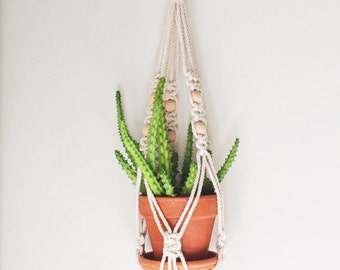 Single Macrame Plant Hanger- Vintage
