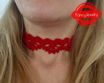 Crochet choker. Also available in other colors