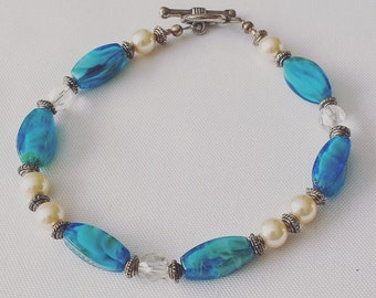 Elegant Sea Blue and Pearl Glass Beaded Bracelet
