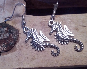 Earrings and old silver seahorse pendant or polished gold, orange and Brown