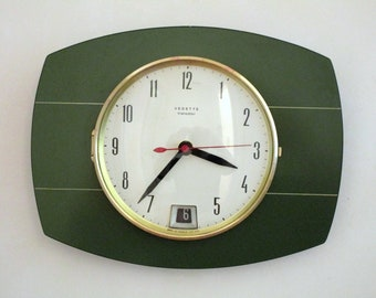 VEDETTE 1950s Atomic Age Vintage French Forest Green Wall Clock- Calendar Clock- White Stripes - Great Working Condition-Mid Century Diamond
