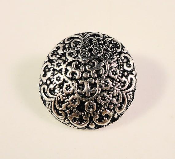 Metal Shank Buttons 17x7mm Antique Silver Tone Metal Round Filigree Buttons, Fancy Buttons, Wrap Bracelet Buttons, Sewing Supplies, 5pcs
