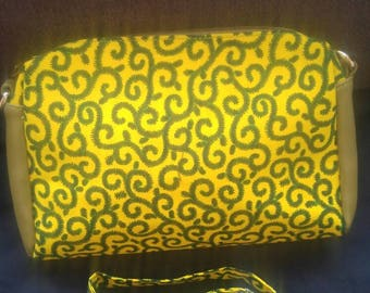 Small African Print bag with detachable handles so converts to a clutch bag