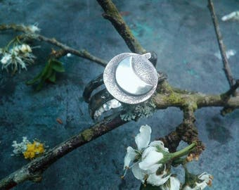 Crescent Moon Ring Handmade in Sterling Silver. Oxidized Hammered Disc Ring. Jewellery For Moon Lovers.